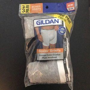 3 Pairs of Gildan Boxer Briefs